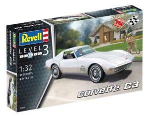 Revell Corvette C3 (1:32) Skill 3 - 07684